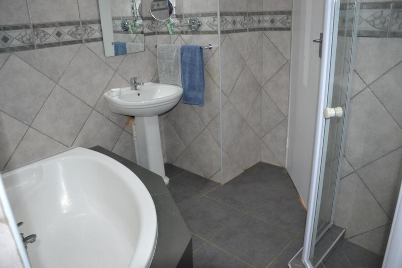 Property For Sale in Highway Gardens, Germiston 8