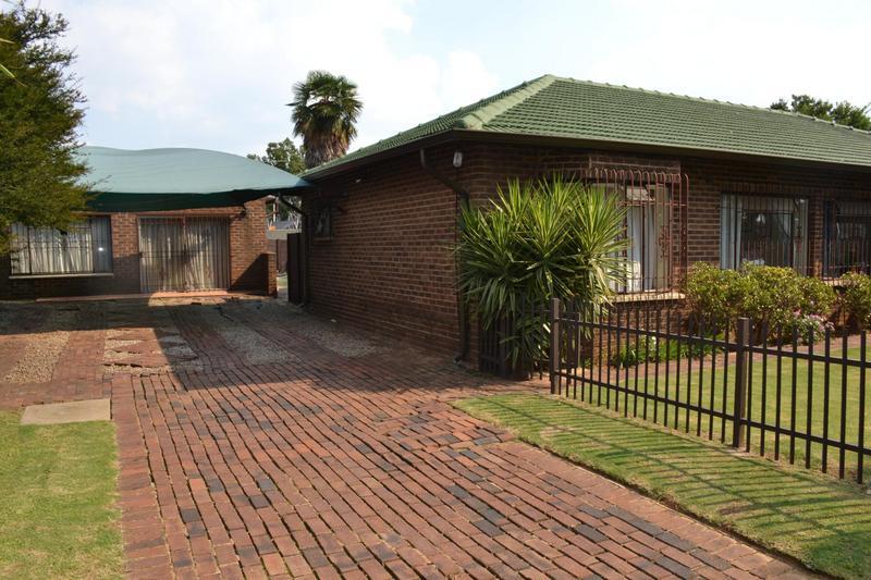 Property For Sale in Buurendal, Germiston 14