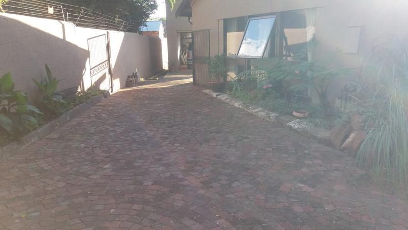 Property For Sale in Highway Gardens, Germiston 19